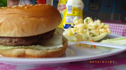 サイパン格安旅行の旅 3日目 ボビーキャディラック ハンバーガー