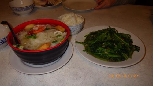 サイパン格安旅行の旅 3日目 スパイシータイヌードルプレイス シーフードフォー・空芯菜