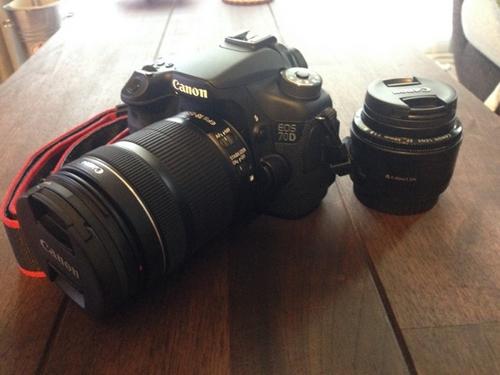 「EOS 70D EF-S18-135 IS STM レンズキット」と「EF50mm F1.8 II(撒き餌レンズ)」